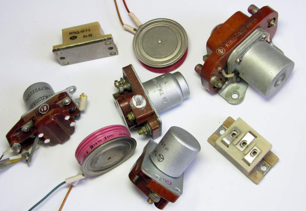 полупроводники транзисторы